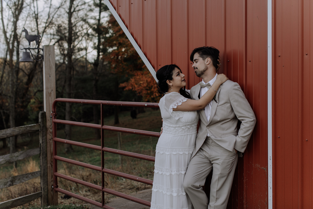 woods-edge-wools-alpaca-farm-stockkton-new-jersey-photography-portrait-rustic-farm