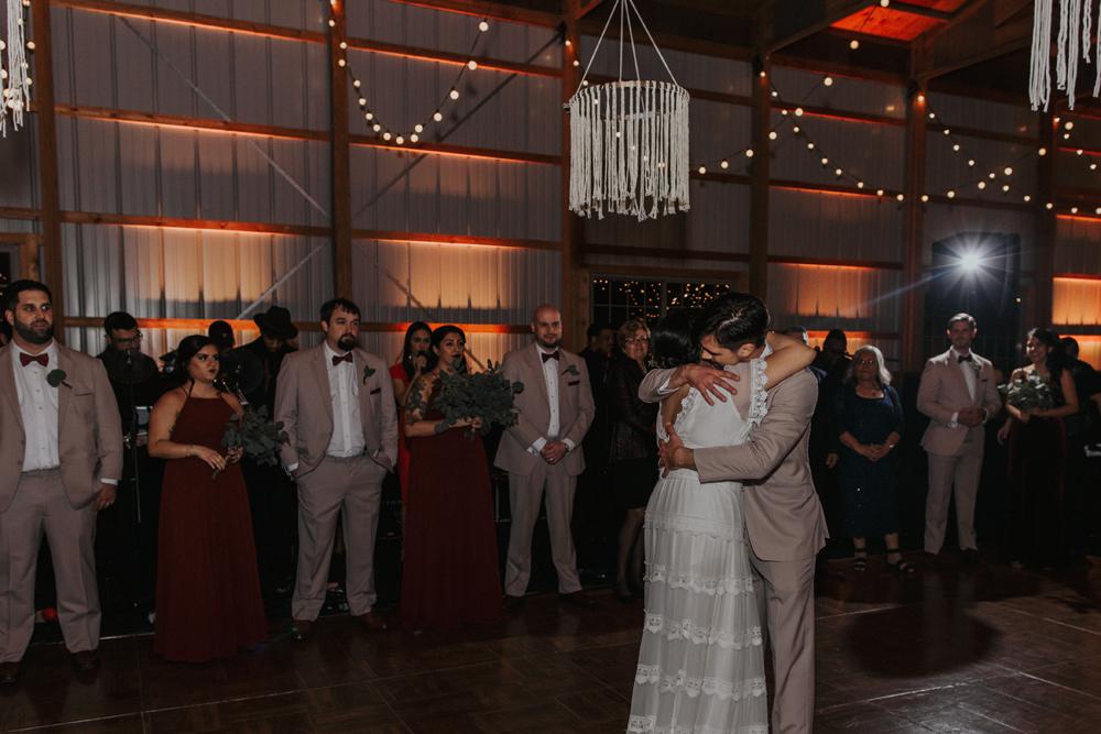 woods-edge-wools-alpaca-farm-wedding-reception-photography