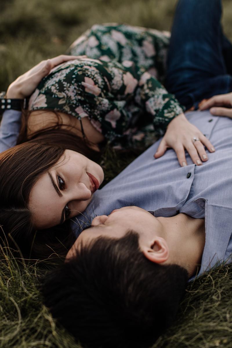 iceland-sweet-couple-engagement-photographer