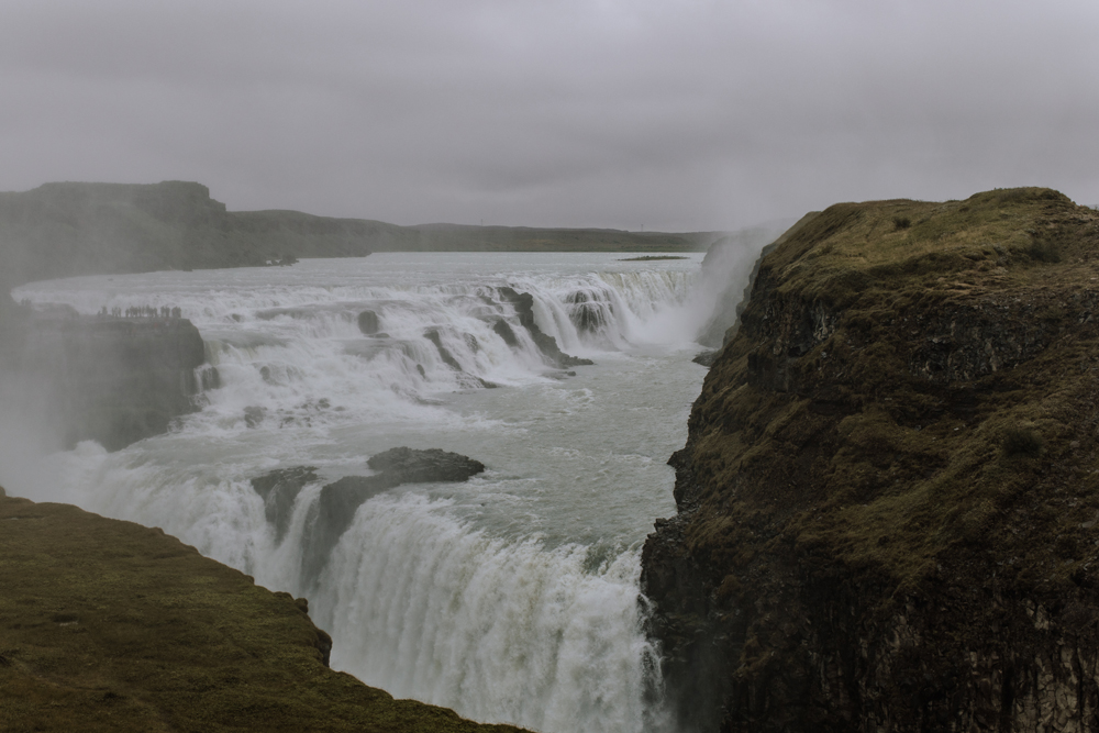 gullfoss-waterfall-golden-circle-traveling-iceland