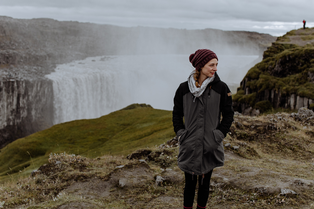 dettifoss-portrait-photography-iceland-travel