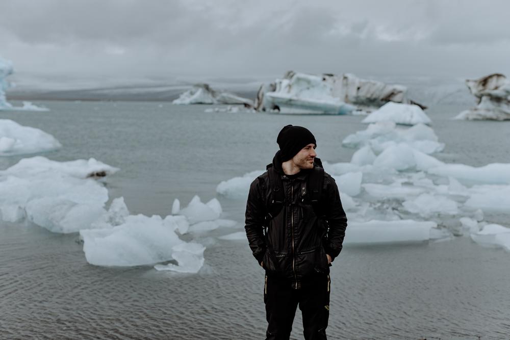 photographing-jokulsarlon-glacial-lagoon-iceland-travel-portrait