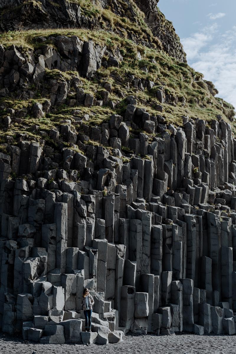 reynifjara-black-sand-beach-iceland-basalt-columns-2