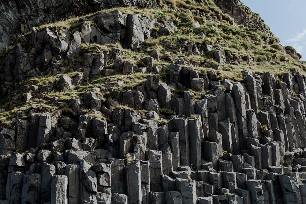 reynifjara-black-sand-beach-iceland-basalt-columns-3