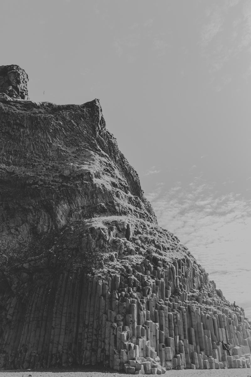 reynifjara-cliff