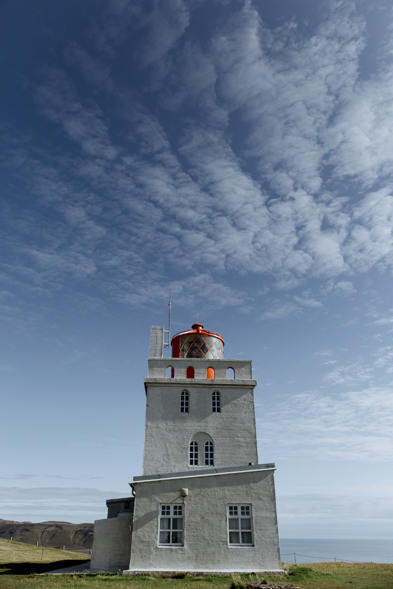 dyrholaey-lighthouse-hand-and-arrow-photography-2-iceland-2