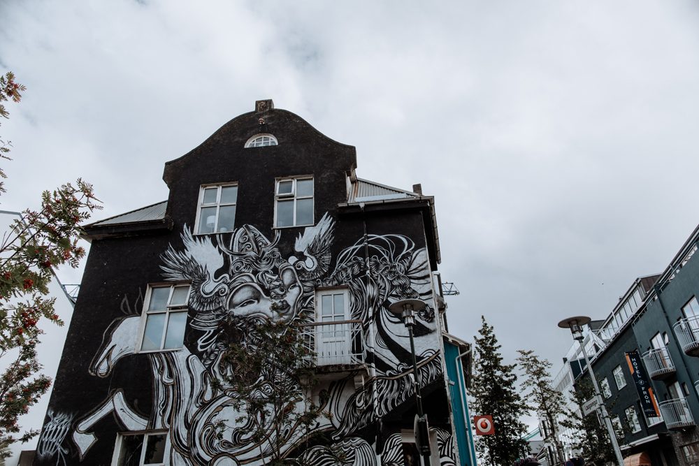 reykjavik-street-photography-graffiti-art