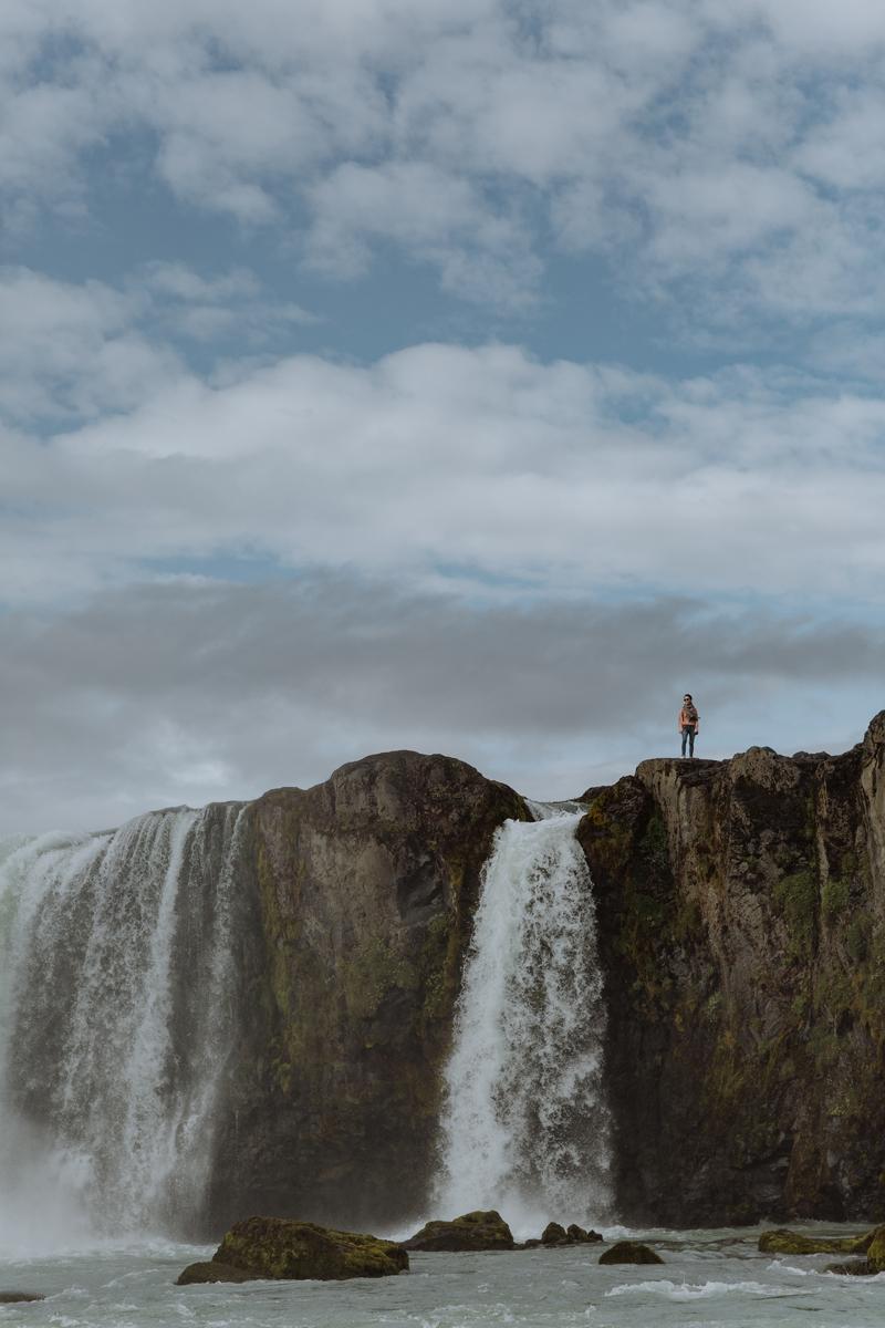 tourism-iceland-godafoss