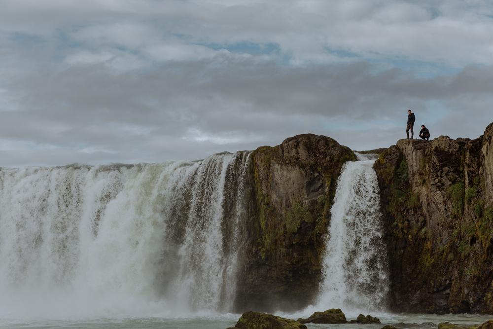 tourism-iceland-godafoss-2