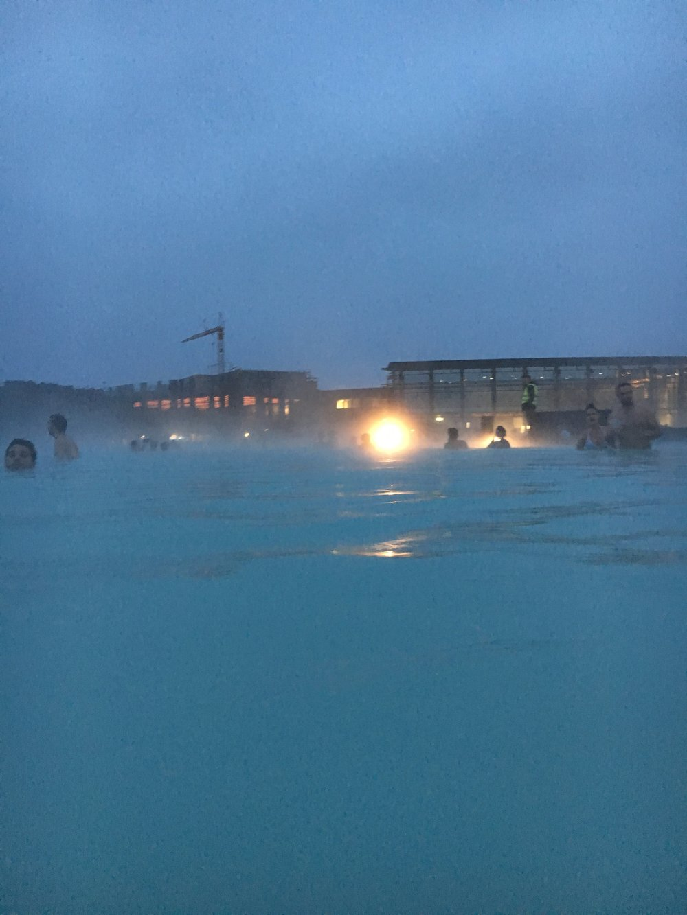 blue-lagoon-iceland-iphone-at-night