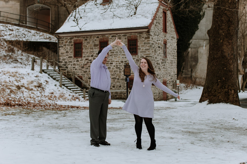 local-lehigh-valley-engagement-photography-spin