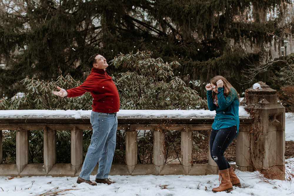 local-lehigh-valley-university-engagement-photographer-snow