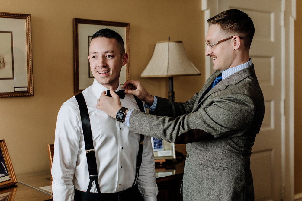 lehigh-valley-wedding-photographer-cairnwood-estate-getting-ready-groom