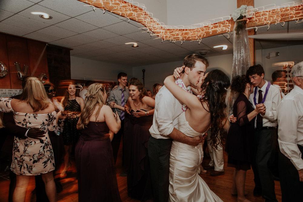 lehigh-valley-wedding-photographer-indian-hills-golf-club-dance