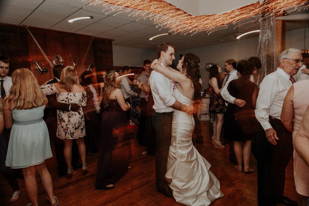 lehigh-valley-wedding-photographer-indian-hills-golf-club-dance-cnaid