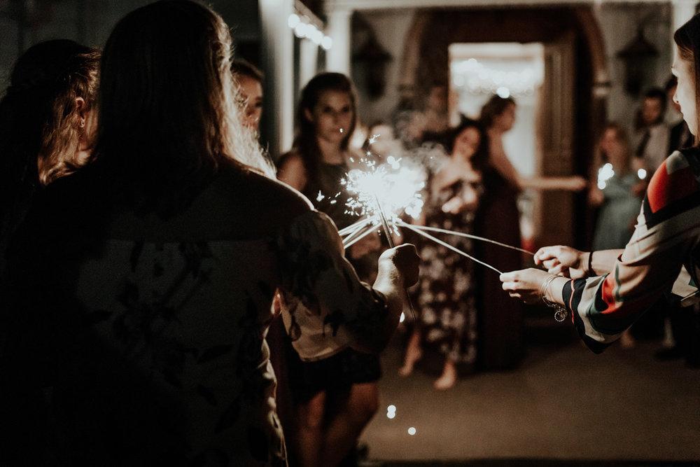 lehigh-valley-wedding-photographer-indian-hills-golf-club-sendoff-sparklers