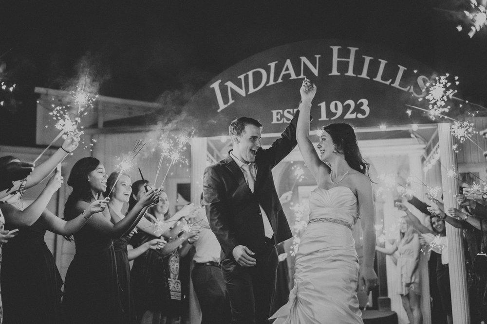 lehigh-valley-wedding-photographer-indian-hills-golf-club-sendoff-sparklers-2