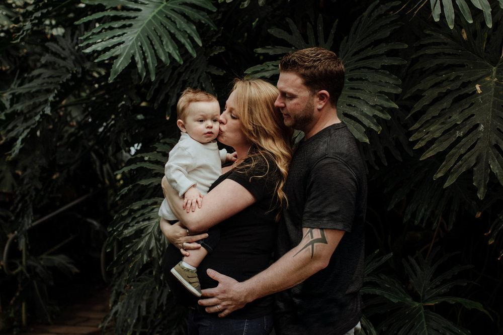lehigh-valley-family-photography-otts-greenhouse-pa-moody
