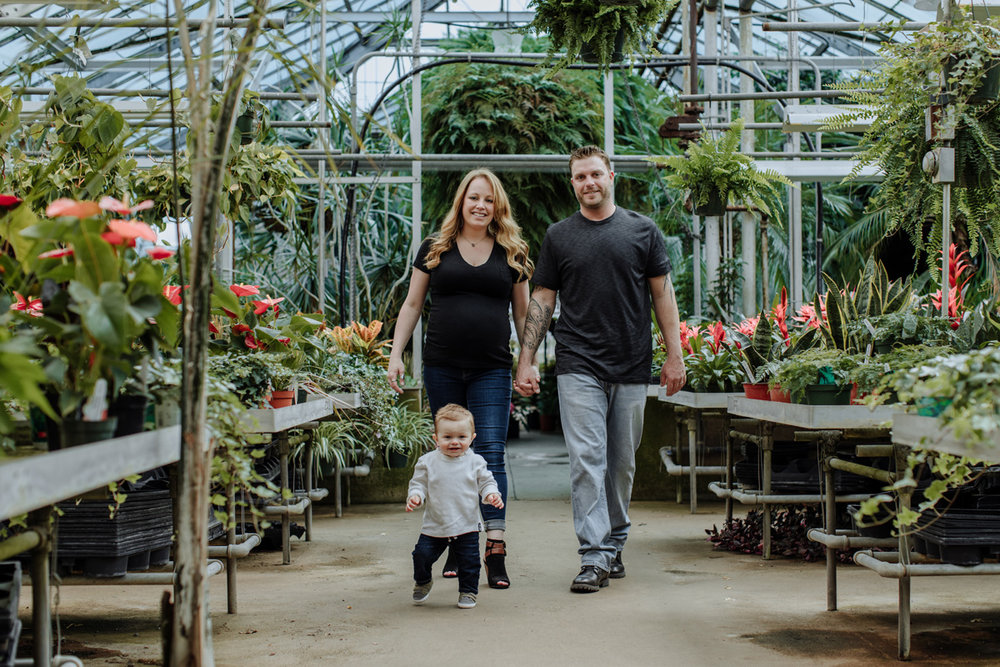 lehigh-valley-photographer-otts-exotic-plants-greenhouse-family-session