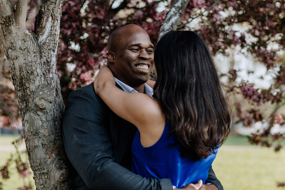 engagement-photography-washington-dc-cherry-blossoms-smile