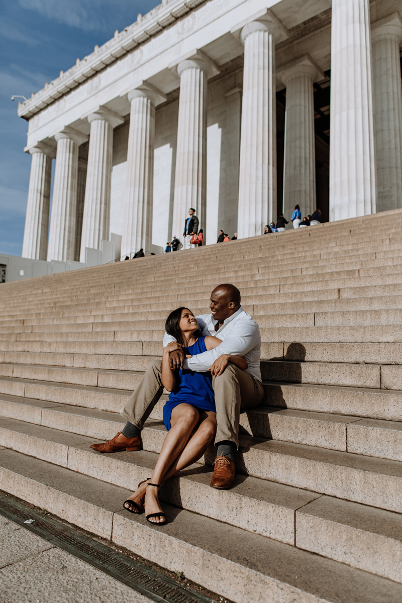 washington-dc-engagement-photography-lincoln-meorial-24mm