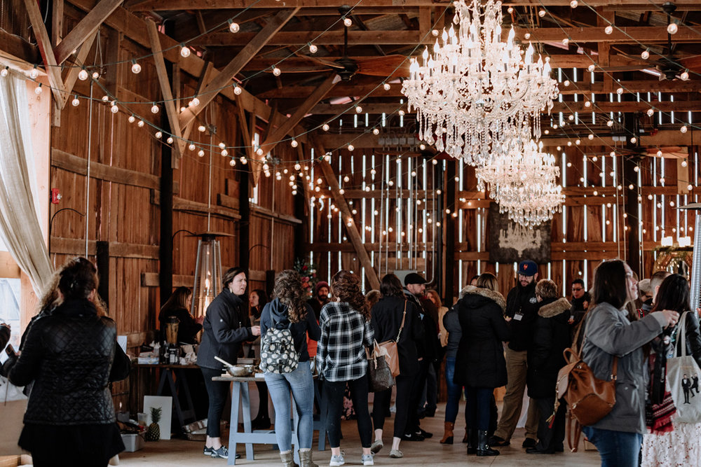 gilbertsville-farmhouse-sage-luxe-bridal-show-2018-fashion-show-weddins