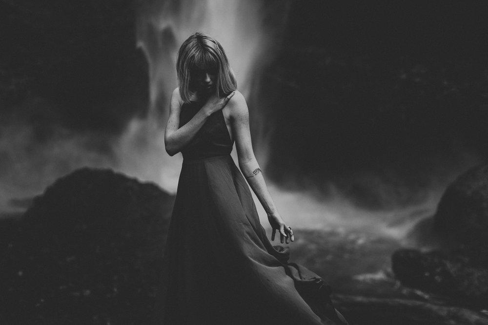 oregon-wedding-photographers-latoural-falls-moody