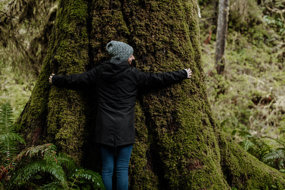 oregon-travel-photography-tree-hug