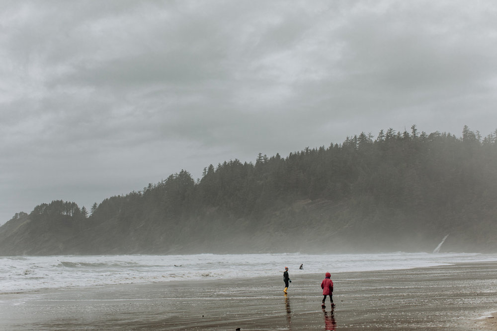 oregon-travel-photographers-oswald-state-park-beach-candid