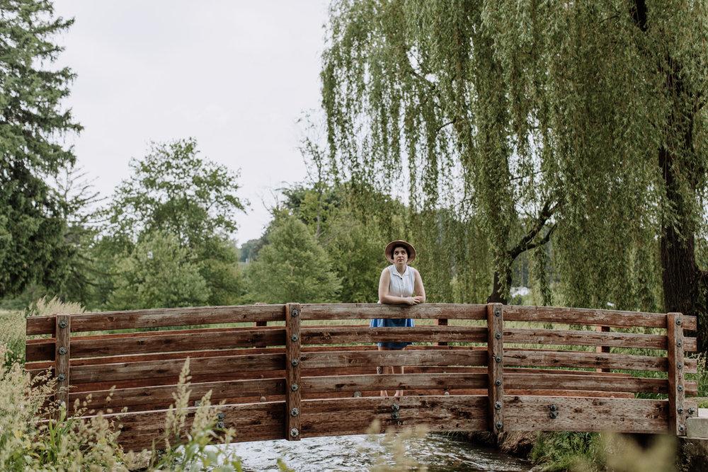 allentown-rose-garden-portrait-photography-bridge