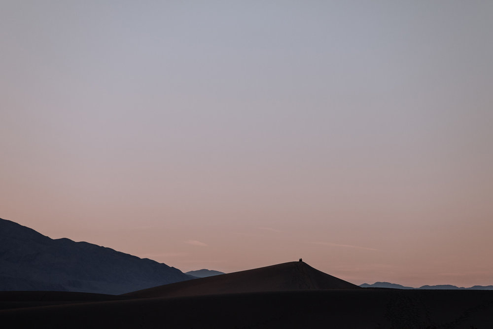 mesquite-sand-dunes-death-valley-national-park-sunset-photography