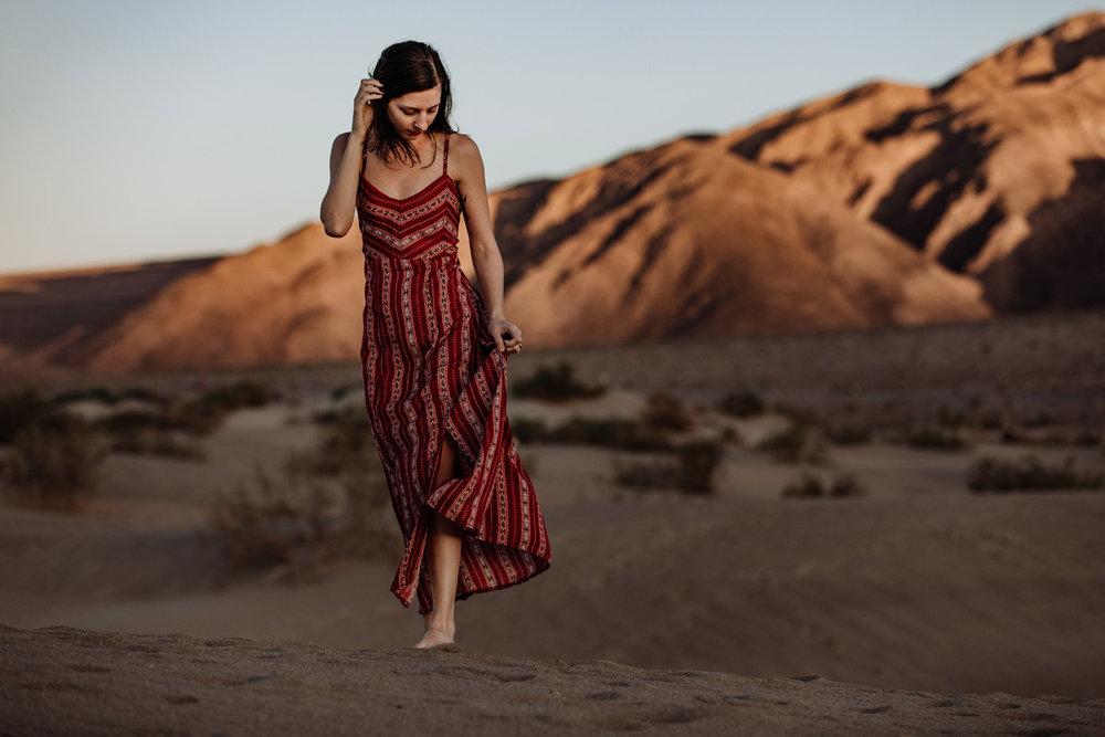 death-valley-national-park-sand-dunes-portrait-4