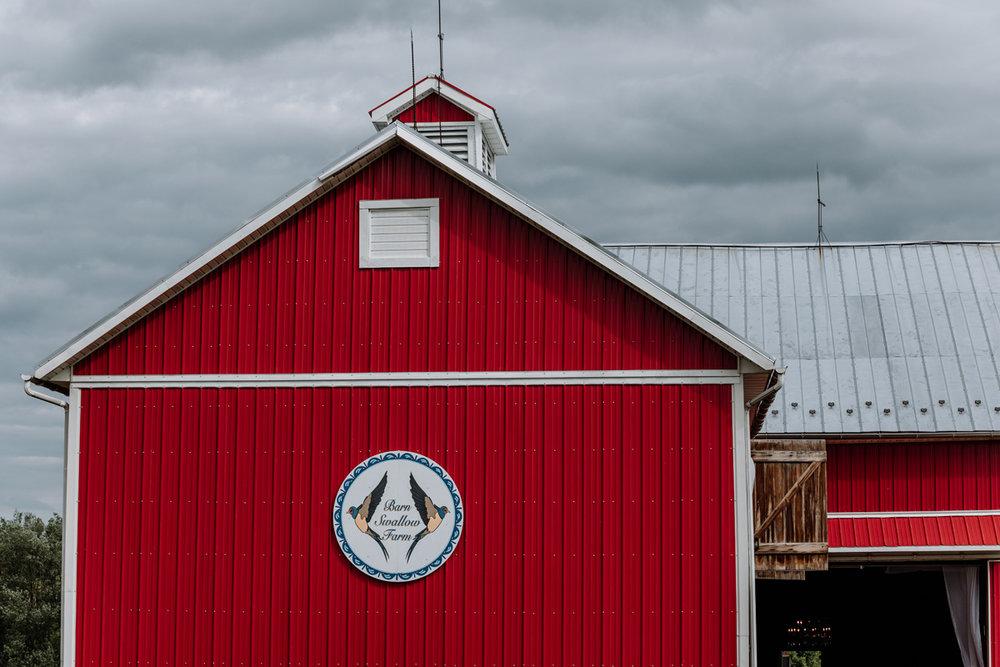 barn-swallow-farm-weddings