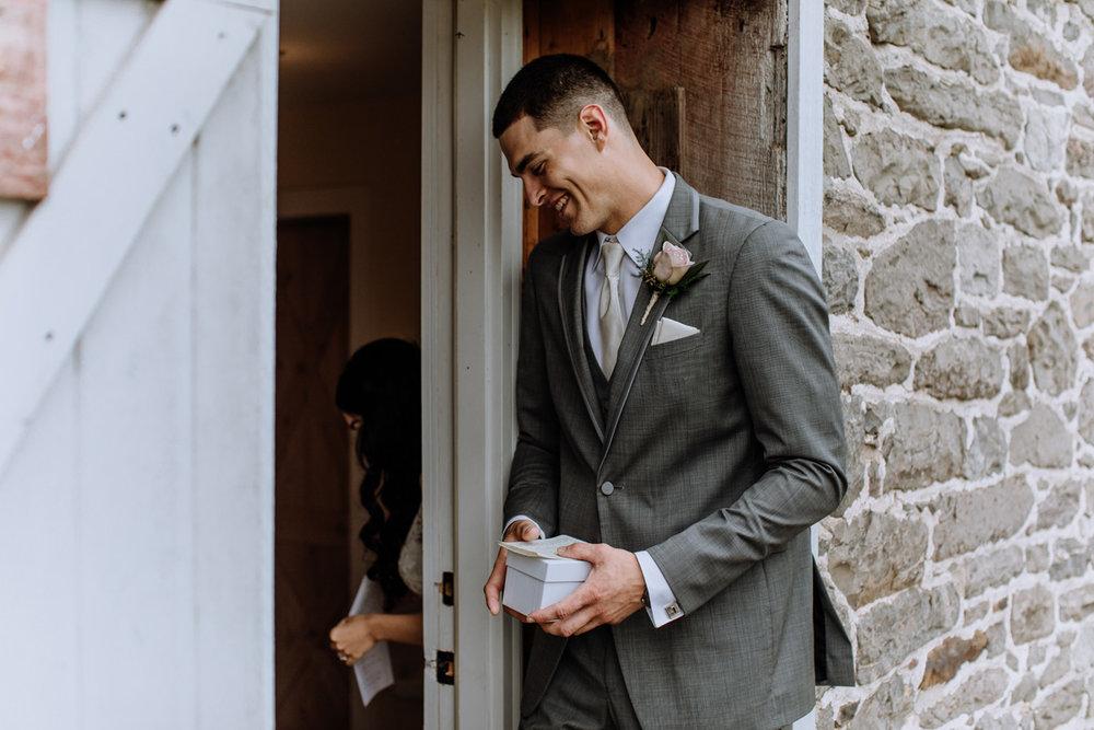 barn-swallow-farm-wedding-photography-first-look