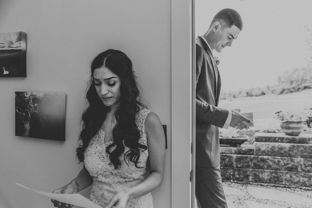 barn-swallow-farm-wedding-photography-first-look-4