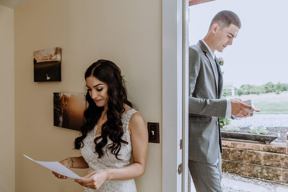 barn-swallow-farm-wedding-photography-first-look-6