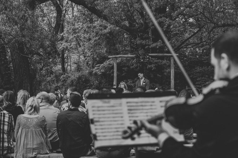 barn-swallow-farm-wedding-photographers-2
