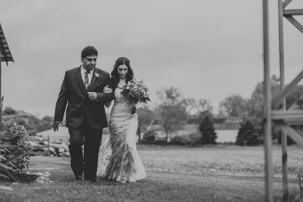 barn-swallow-farm-wedding-photographers-3