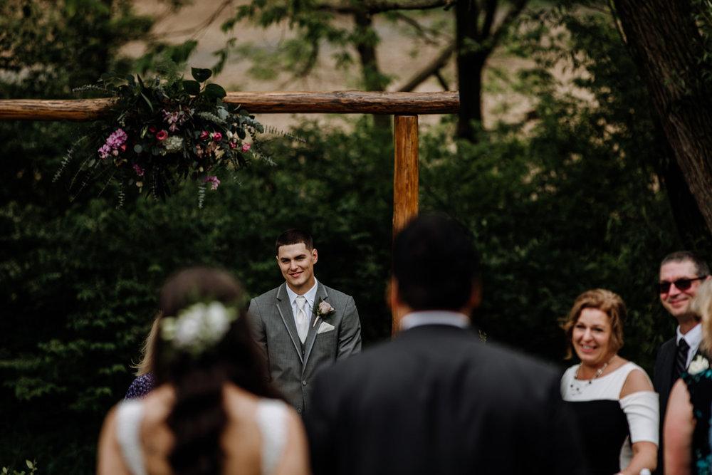 barn-swallow-farm-wedding-photographers-5