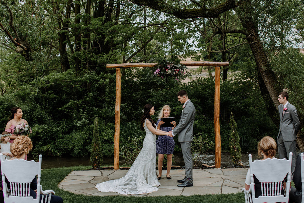 barn-swallow-farm-lehigh-valley-wedding-photographers-8