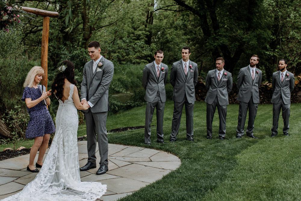barn-swallow-farm-lehigh-valley-wedding-photographers-10