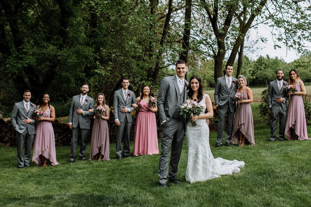 barn-swallow-farm-lehigh-valley-wedding-photographer-bridal-party-6