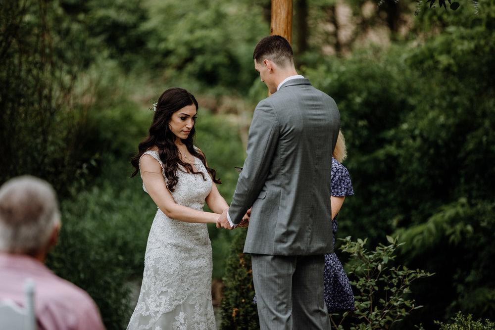 barn-swallow-farm-lehigh-valley-wedding-photography-ceremony