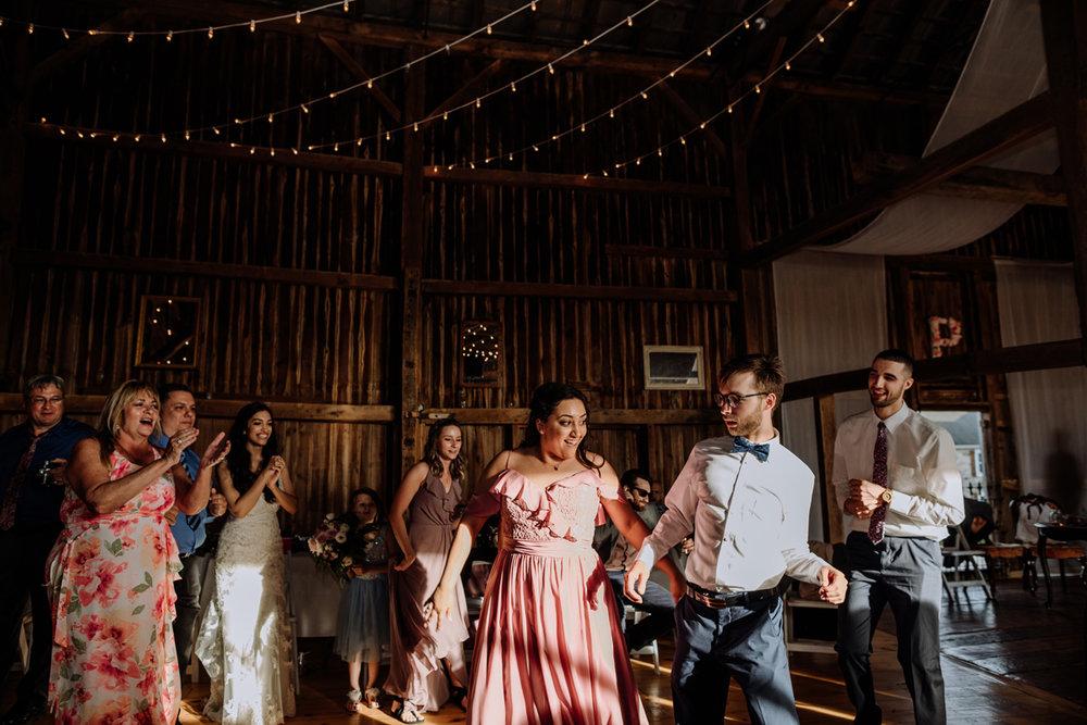 lehigh-valley-photographers-northampton-pa-wedding-dancing