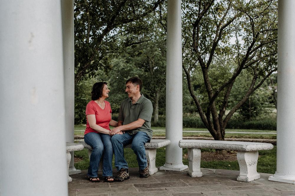 lv-photography-allentown-rose-gardens-couple-2