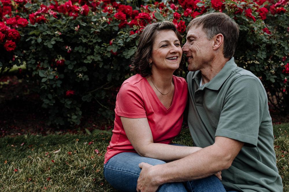 lv-photography-allentown-rose-gardens-couple-7