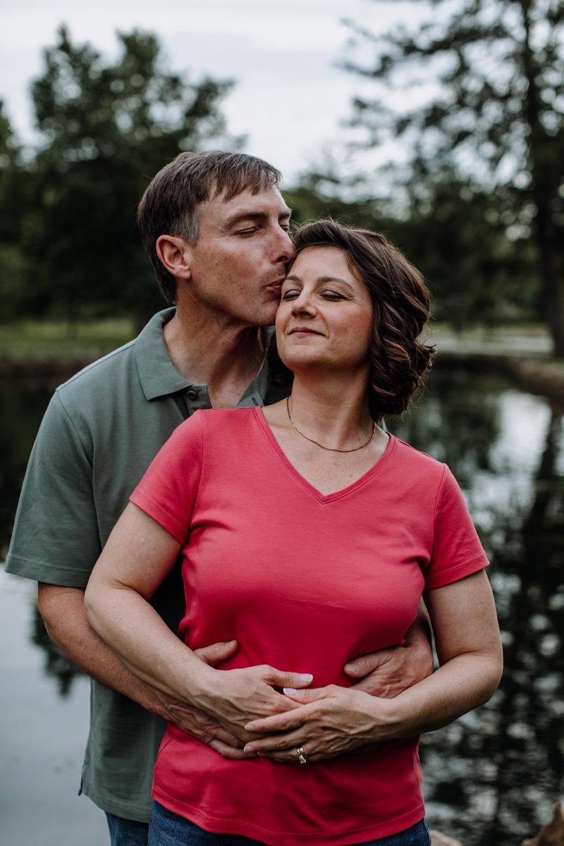 lehigh-valley-photography-allentown-rose-gardens-couple-2