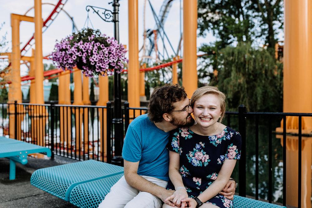 cedar-point-amusement-park-engagement-photography-4