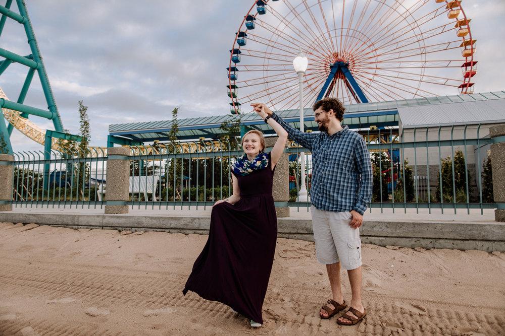 cedar-point-amusement-park-engagement-photography-10