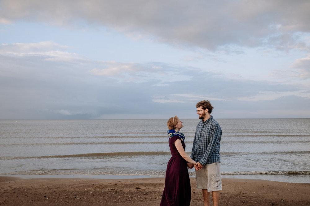 cedar-point-beach-sandusky-ohio-engagement-photography